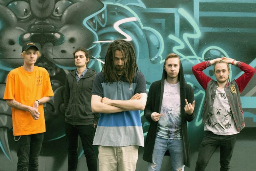 Видеоклип группы I'mone – Don't Stay